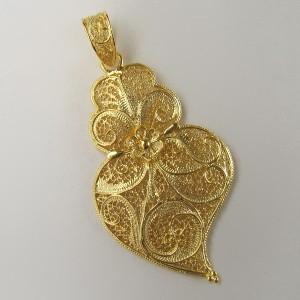 Pendente de filigrana em prata dourada