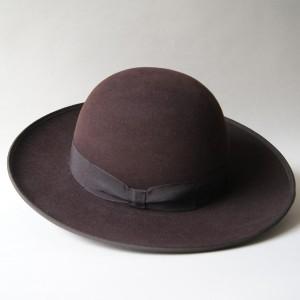 Chapéu de homem de coroa alta - Preço sob consulta